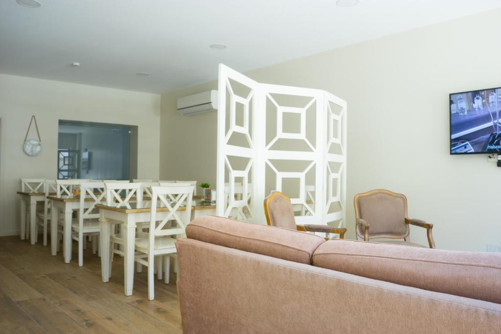 A seating area at Ester Guest House