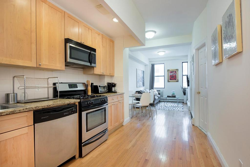 3 bedroom modern apartment - times square, new york city, ny
