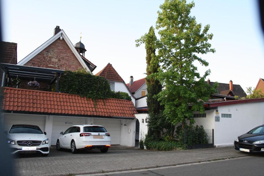 apartamento ferienwohnung an der bergkirche alemanha bad bergzabern. Black Bedroom Furniture Sets. Home Design Ideas