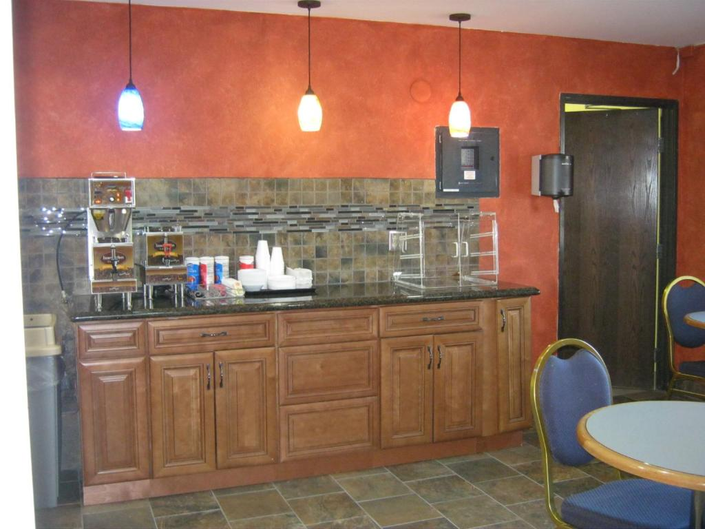 Americas Best Value Inn And Suites International Falls Hotel Burnsville Meapolis Mn Bookingcom