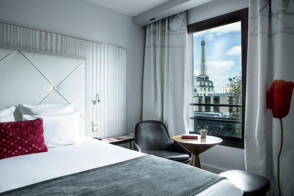 Hotel Le Parisis Paris Tour Eiffel France Booking Com