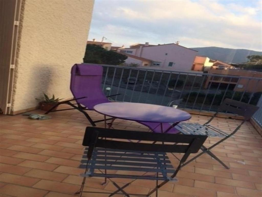 Apartment appartement f2 avec terrasse et parking banyuls for Appartement f2