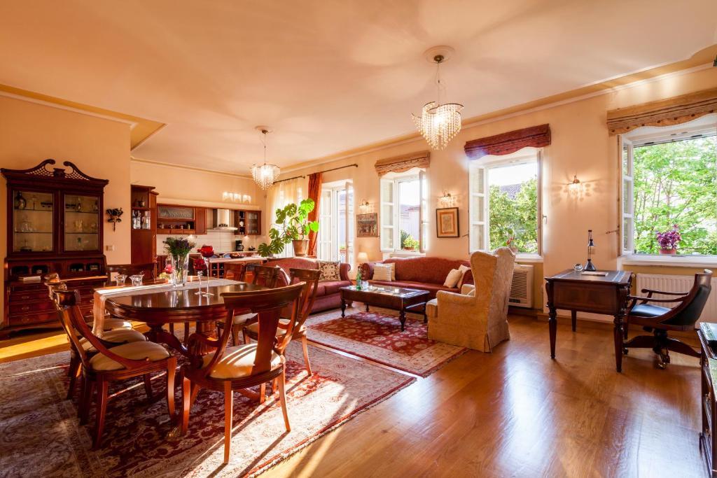 Apartment Corfu Town Luxury Jakuzzi House / Royal Gate, Greece ...