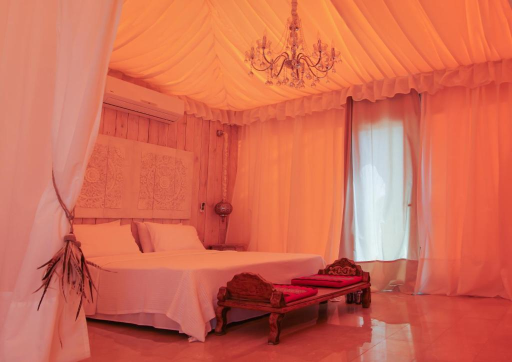 Gallery image of this property & Maharaja Tent Casares u2013 Updated 2018 Prices
