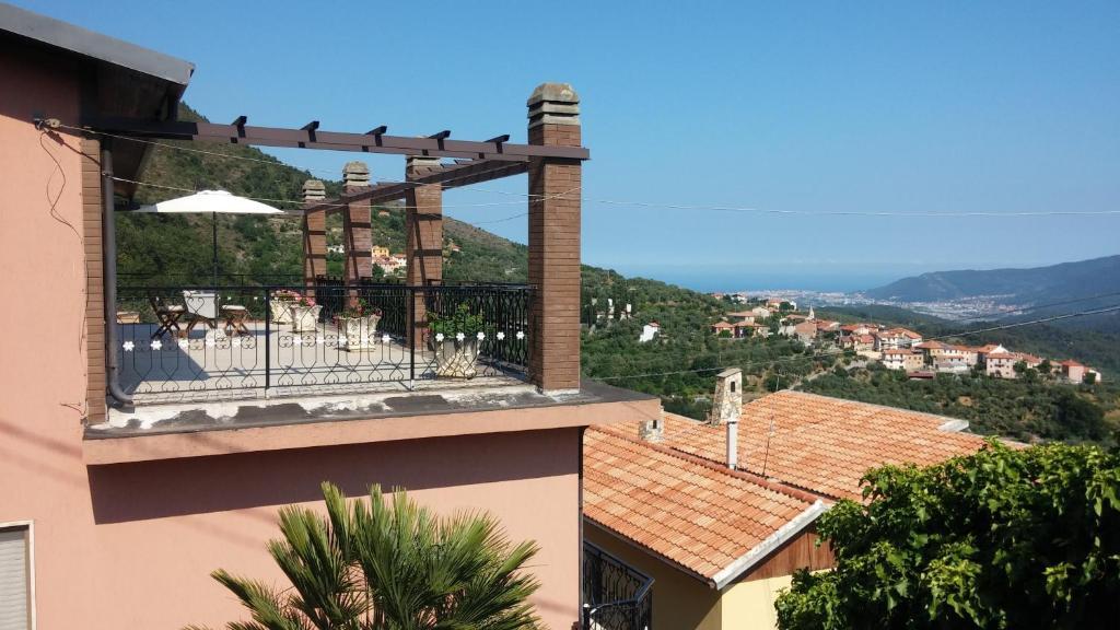 Gallery image of this property lock in a great price for terrazza sul mare