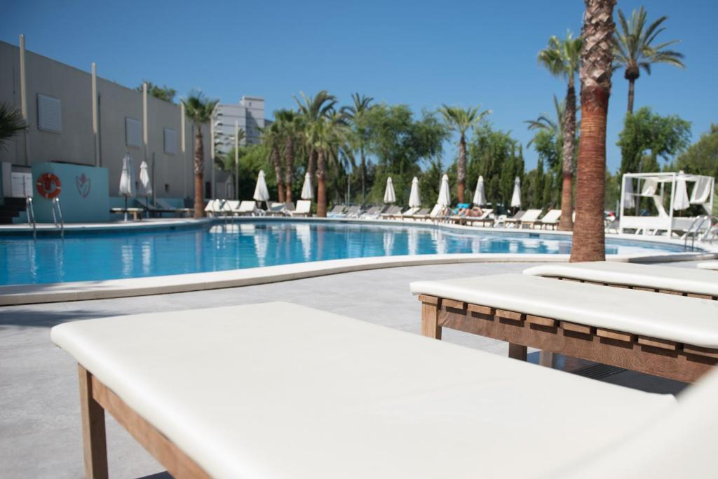 The Swimming Pool At Or Near Bh Mallorca Apartments