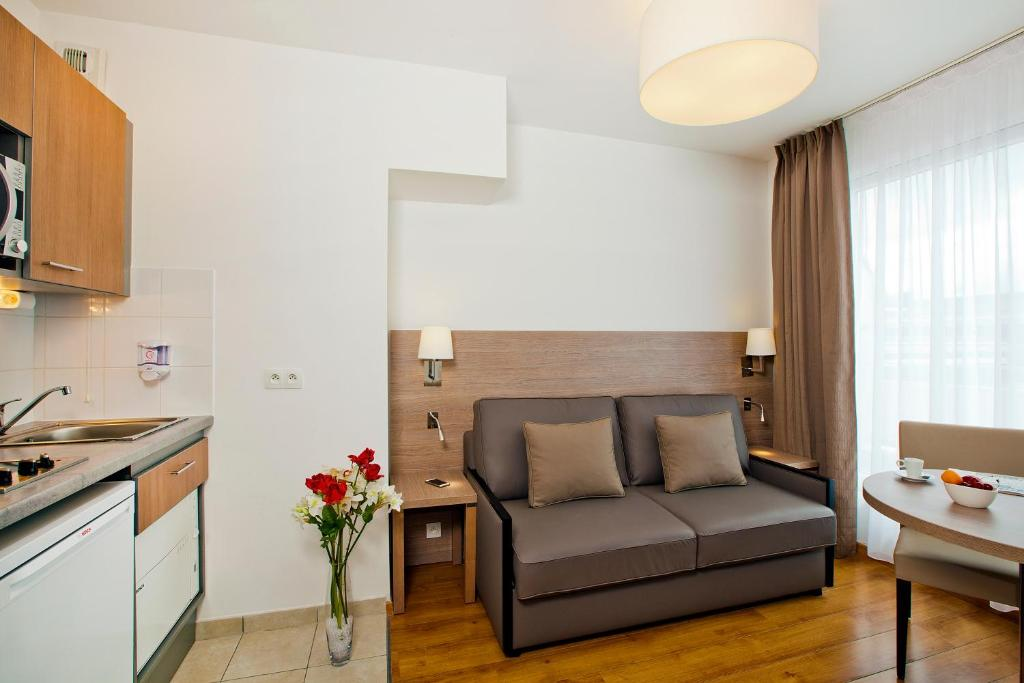 в Residhome Bois Colombes Monceau, BoisColombes (Франція ~ Residhome Bois Colombes