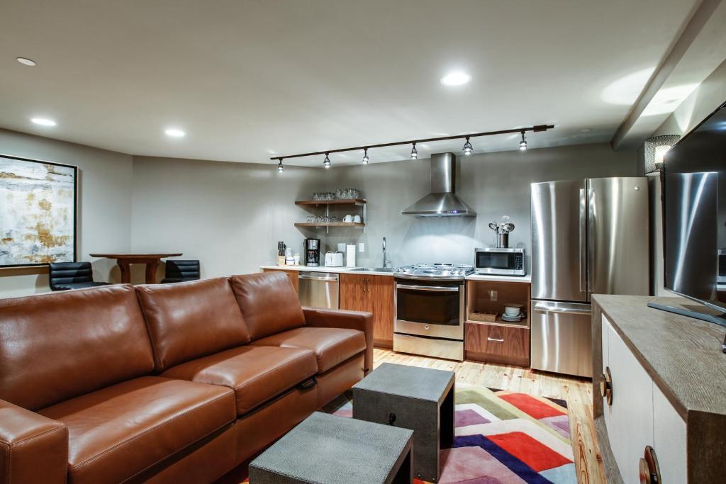 Apartment Nashville Riverfront Lofts, TN - Booking.com