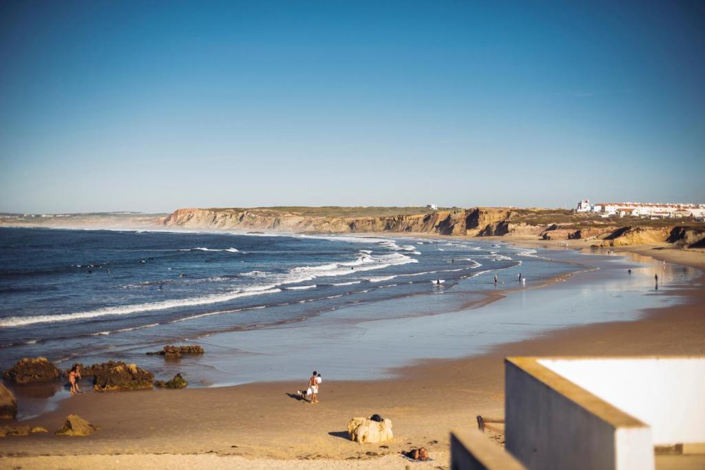 Guest House Balili Surf House Baleal Portugal Bookingcom - Portugal map baleal