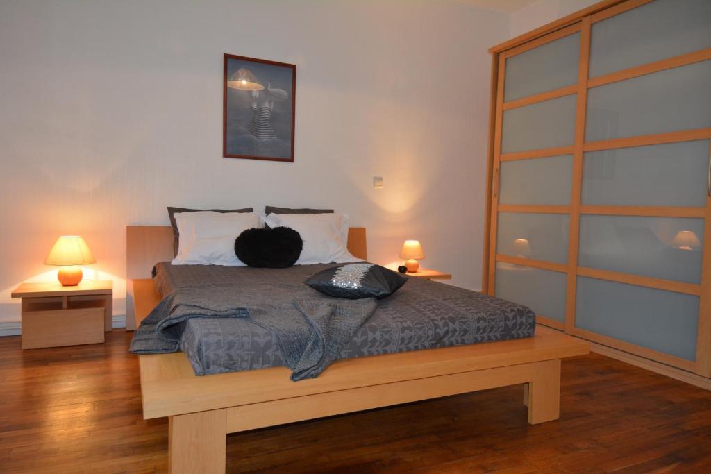 apartement st malo intra muros prantsusmaa saint malo. Black Bedroom Furniture Sets. Home Design Ideas