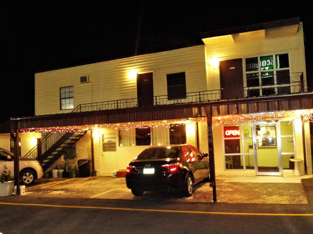 Economy Inn Lawton, OK - Booking.com
