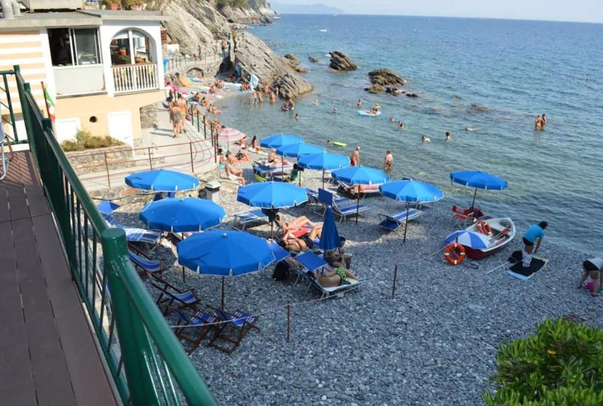 Appartamento la casa sulla spiaggia italia zoagli for Piccoli disegni di casa sulla spiaggia