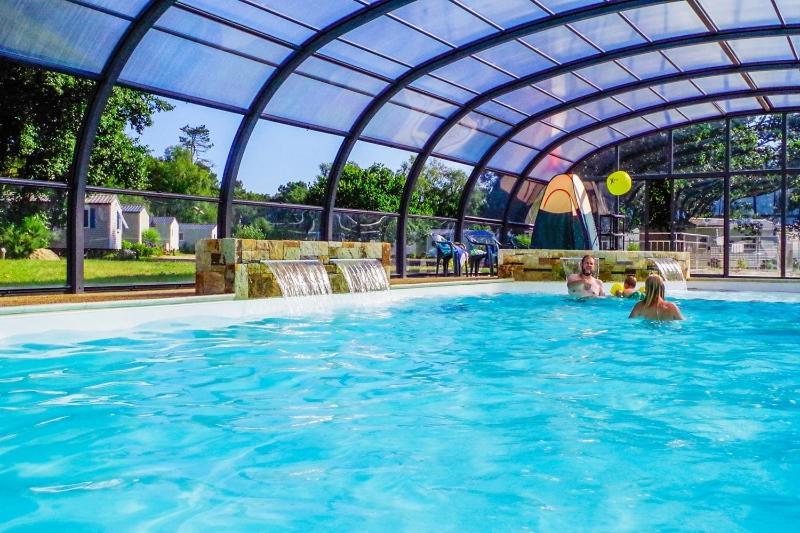 Der Swimmingpool an oder in der Nähe von Le Domaine De Mesqueau