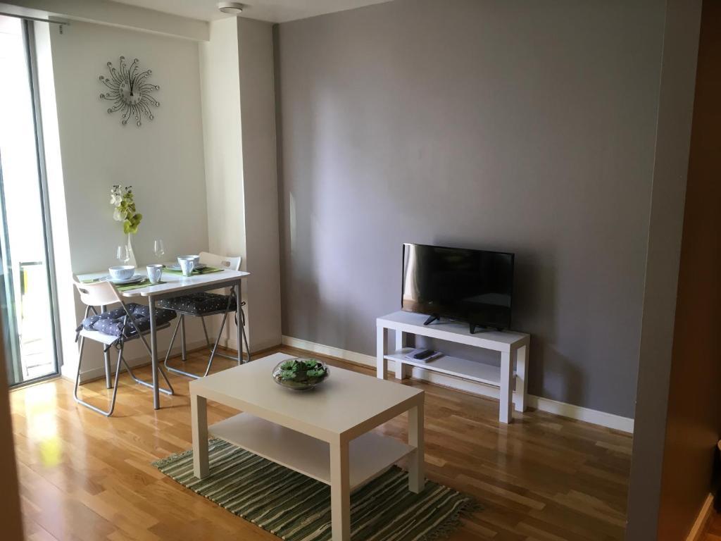apartment the whitehall quay leeds uk booking com
