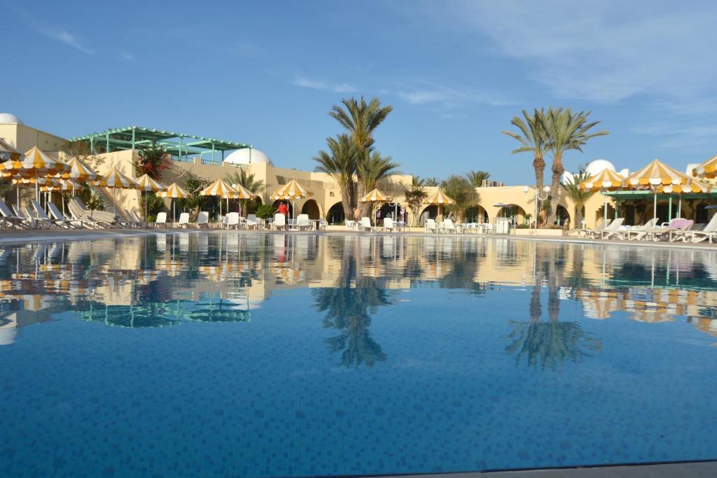 hotel venice beach triffa tunisia. Black Bedroom Furniture Sets. Home Design Ideas