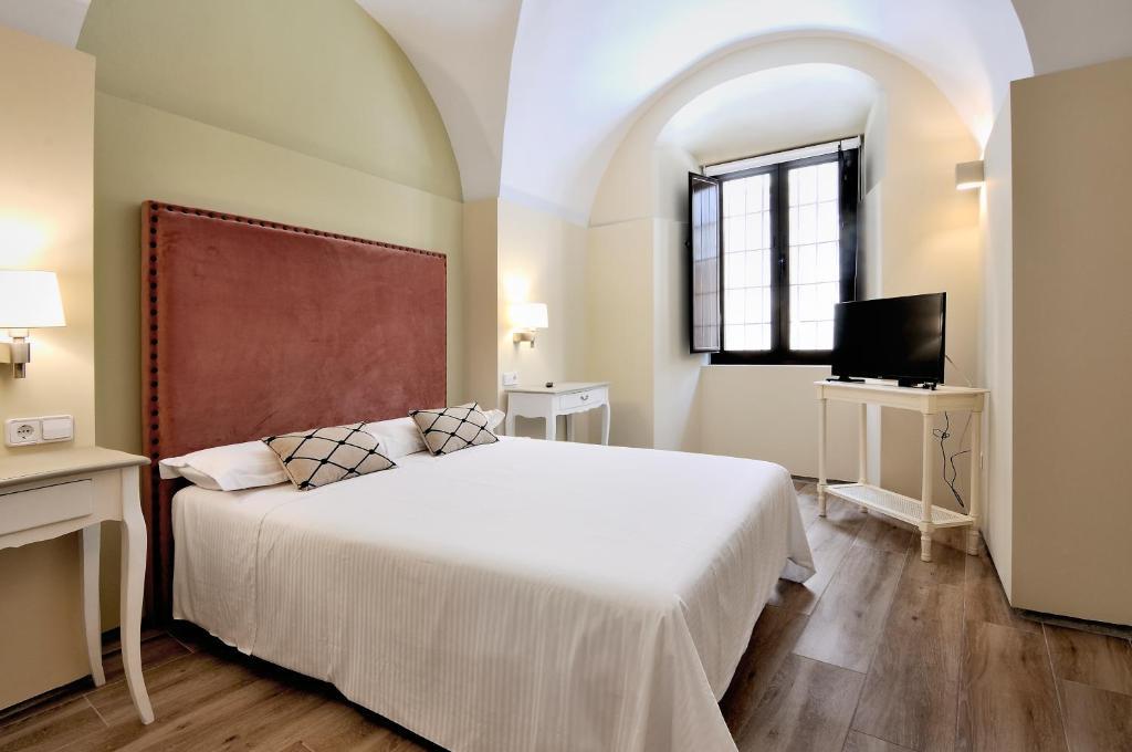 Apartments In Puerto De Santa Cruz Extremadura
