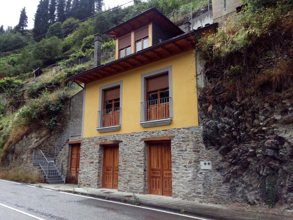 Casa rural las mestas cangas del narcea precios actualizados 2018 - Casa rural las mestas ...