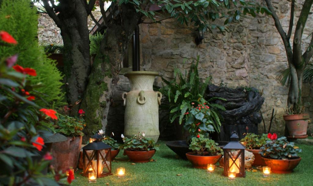 boutique hotels in santillana del mar  23