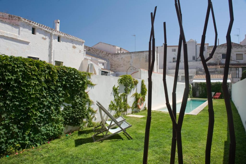 boutique hotels mahon  57