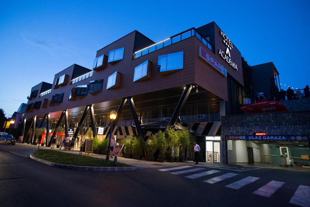 Hotel academia zagreb croatia for Hotels zagreb