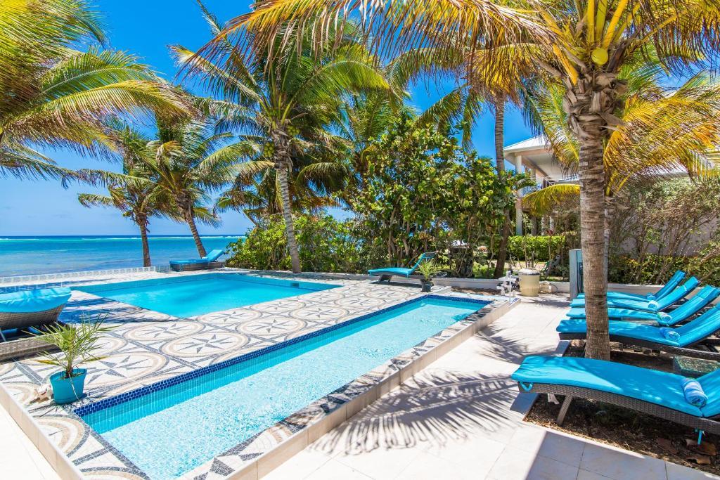 Sprat Bay Luxury Villa Half Way Pond Cayman Islands