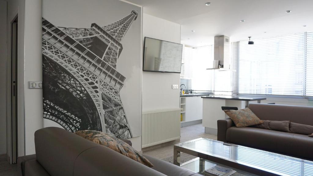 Apartment Faubourg Saint Honoré, Paris, France - Booking.com