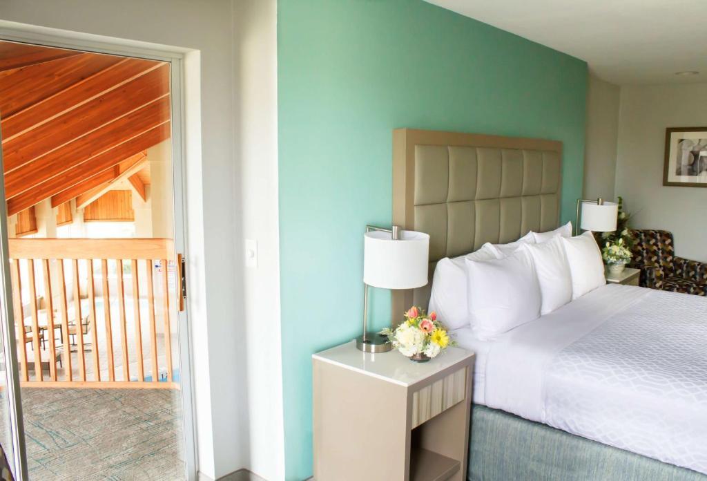 Heritage Inn & Suites