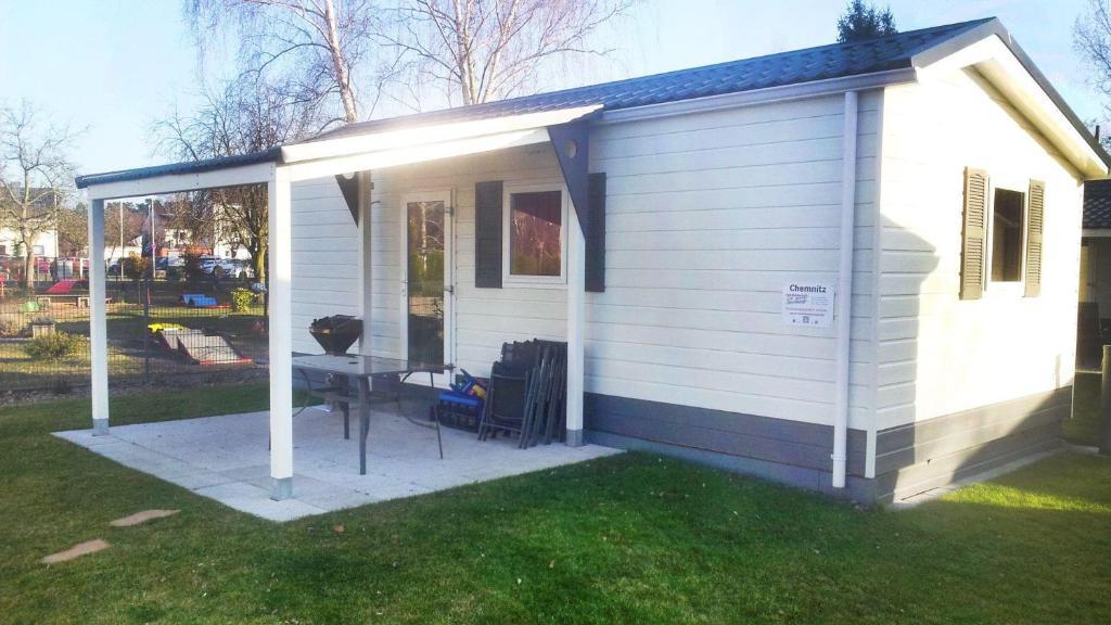 apartment haus chemnitz freiheit geniessen mit terrasse. Black Bedroom Furniture Sets. Home Design Ideas