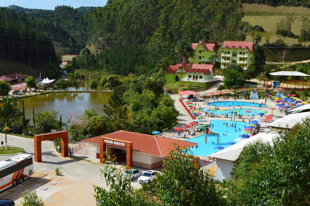 A view of the pool at Hotel Fazenda China Park or nearby