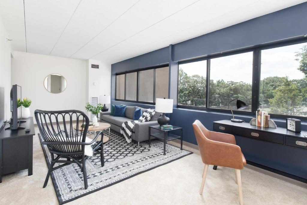 Apartment two bedroom on commonwealth avenue apt 311 - Hotels with 2 bedroom suites in boston ma ...