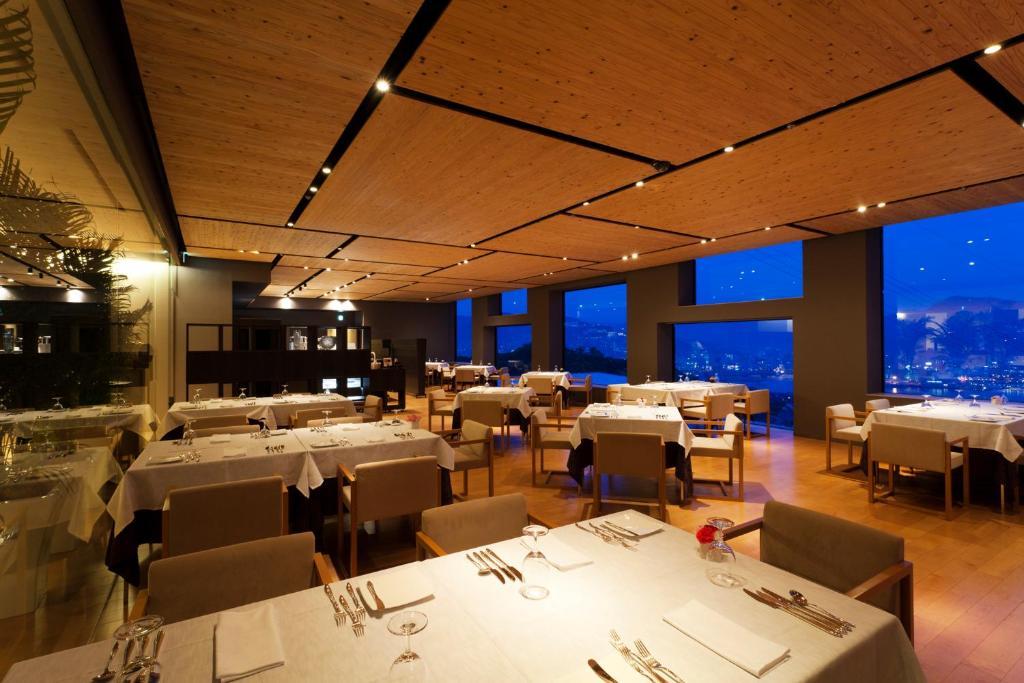 ポイント2.絶景が楽しめる!種類豊富なレストラン