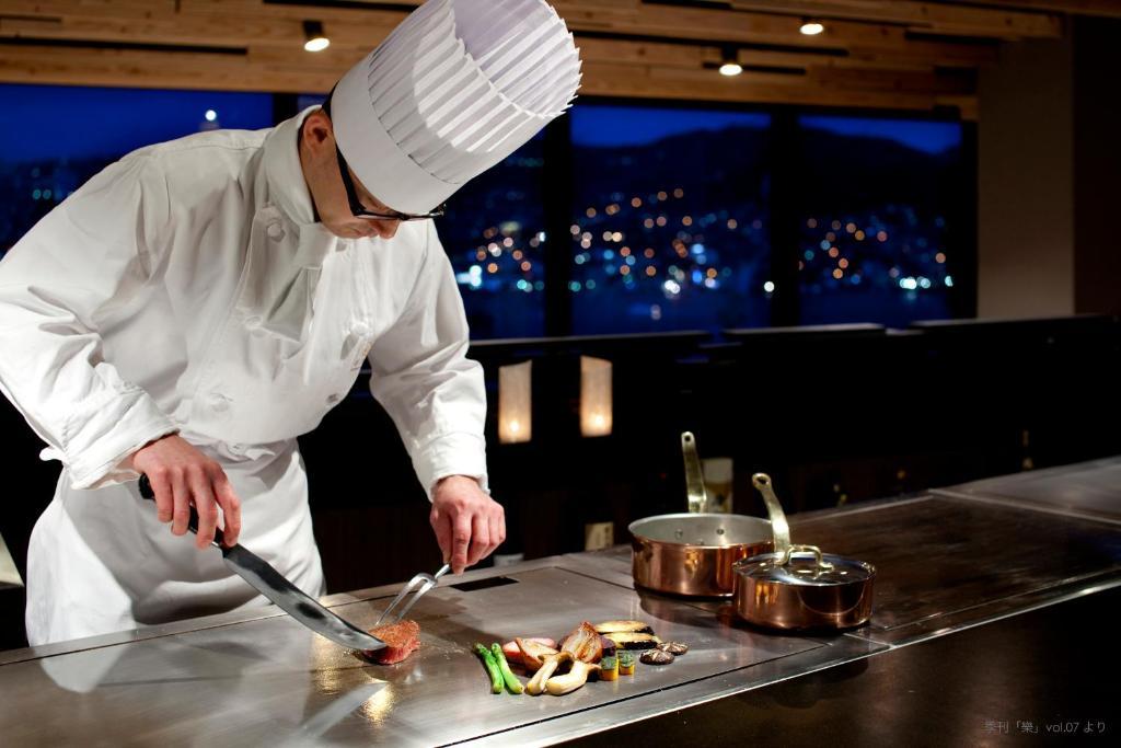 ポイント1.絶景と料理に大満足!豊富なレストラン