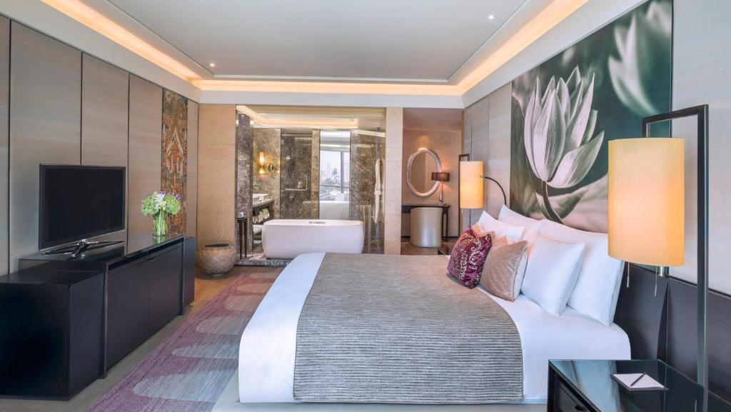 http://s-ec.bstatic.com/images/hotel/max1024x768/517/51779117.jpg