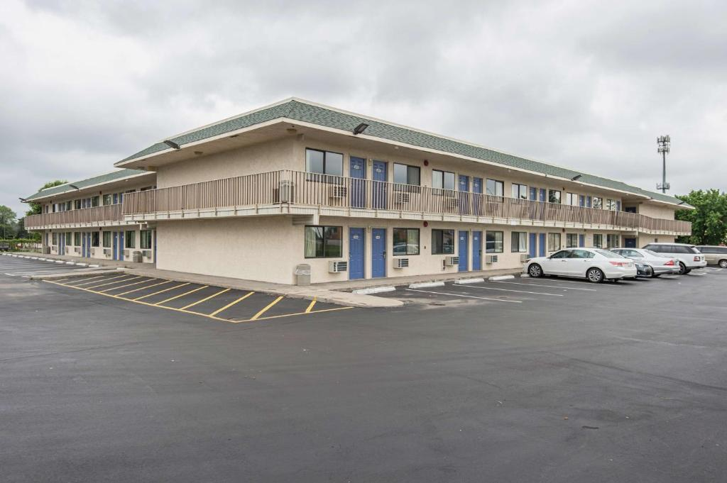 Motel 6 Kansas City North Airport Reserve Now Gallery Image Of This Property