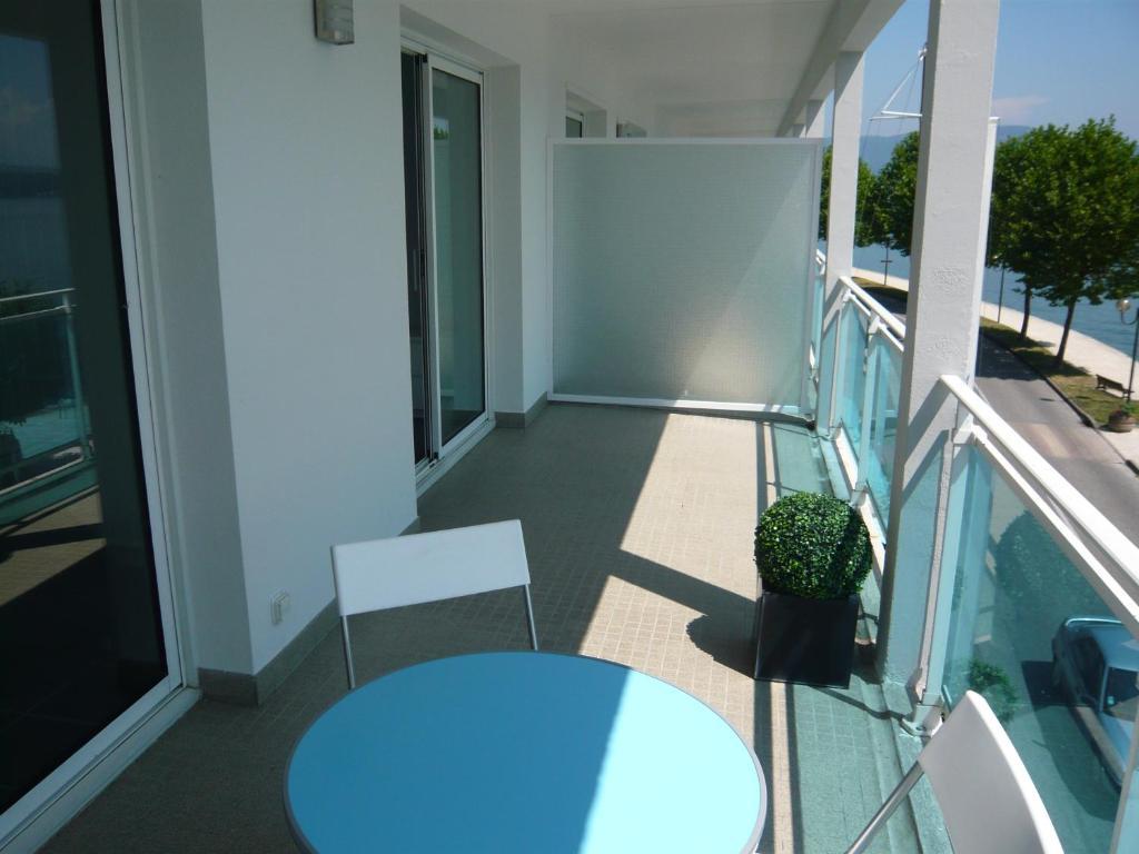 Apartment Les Suites du Port, Le Bourget-du-Lac, France - Booking.com
