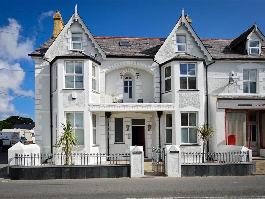 Apartments In Rhiw Gwynedd