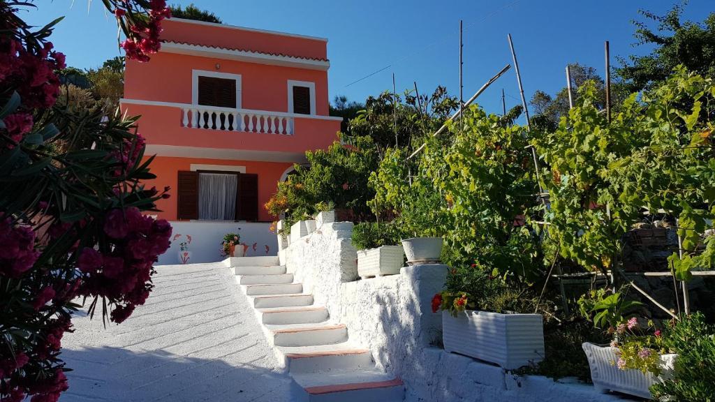 La casa Rosa, Ponza – Updated 2018 Prices
