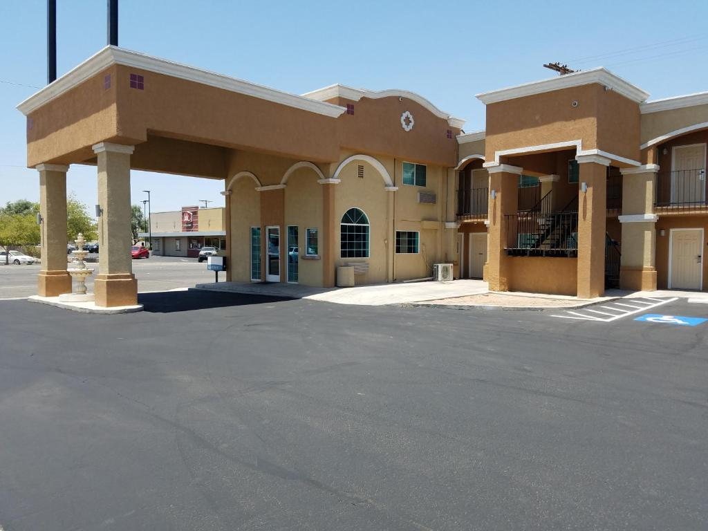 Days inn el centro ca booking gallery image of this property solutioingenieria Images