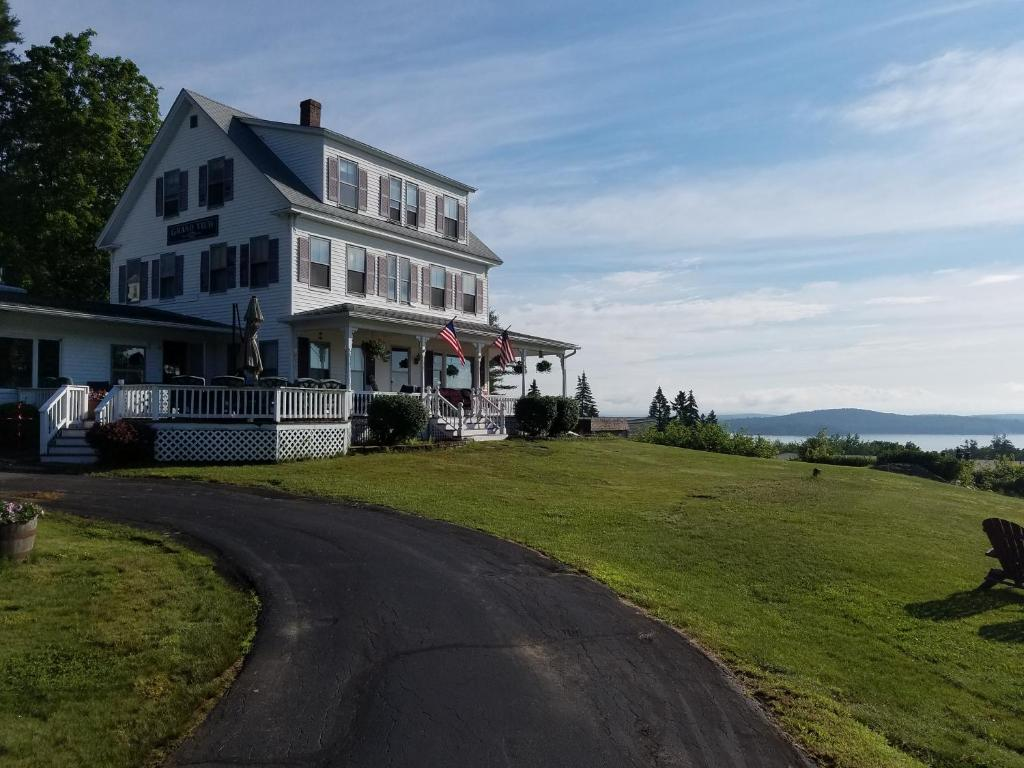 as in cottage on vacationcottages necn nh air cottages laconia seen abakee