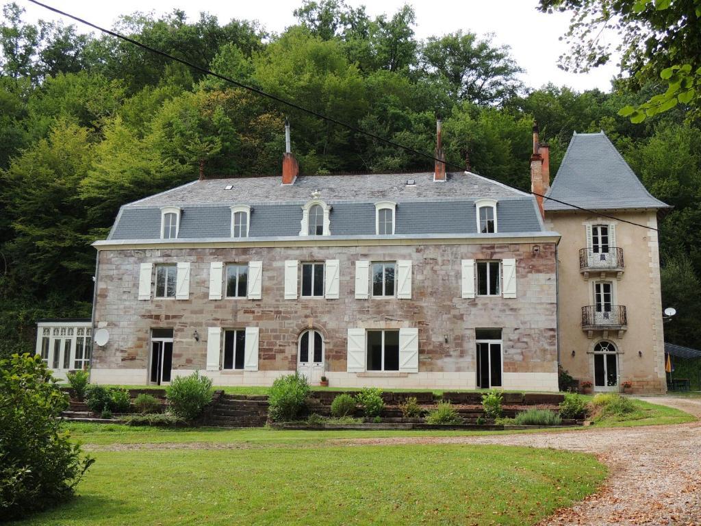 Apartments In Saint-cyr-la-roche Limousin