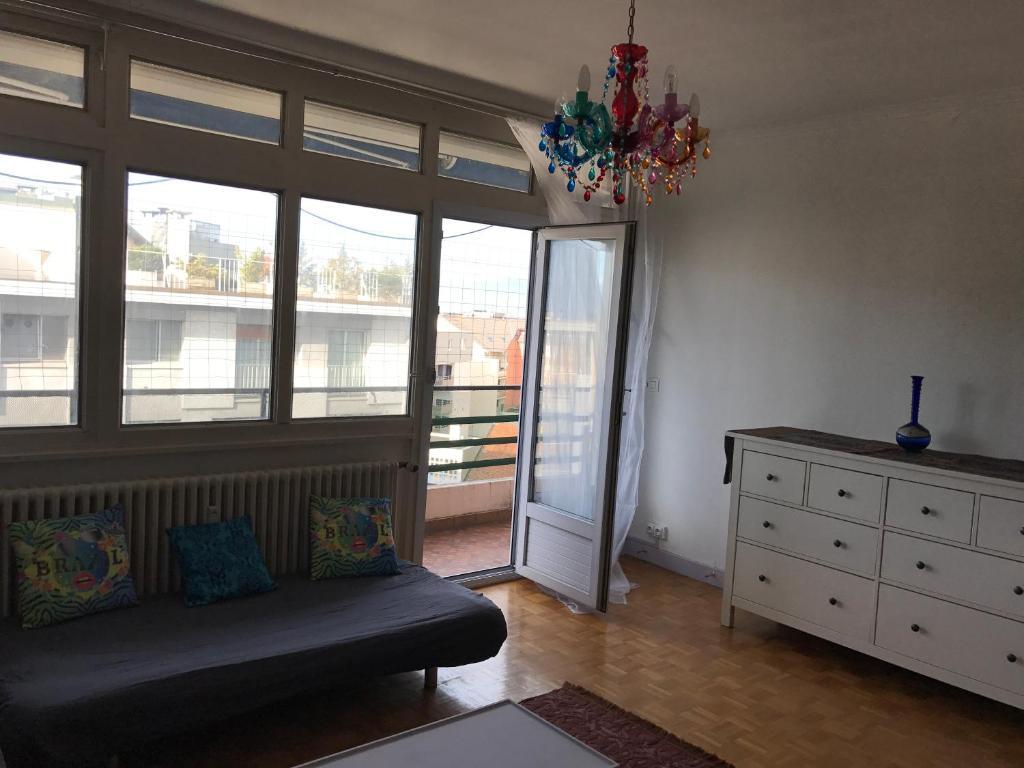 appartement a annemasse france. Black Bedroom Furniture Sets. Home Design Ideas