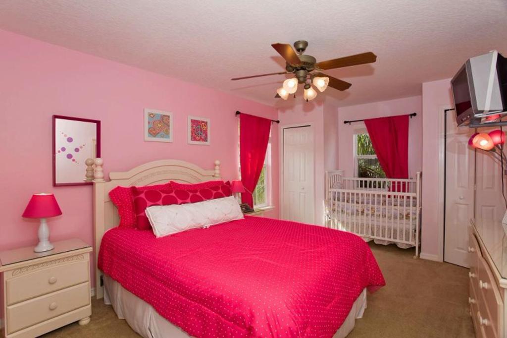 Vacation Home Seven Dwarfs Escape, Orlando, FL - Booking.com