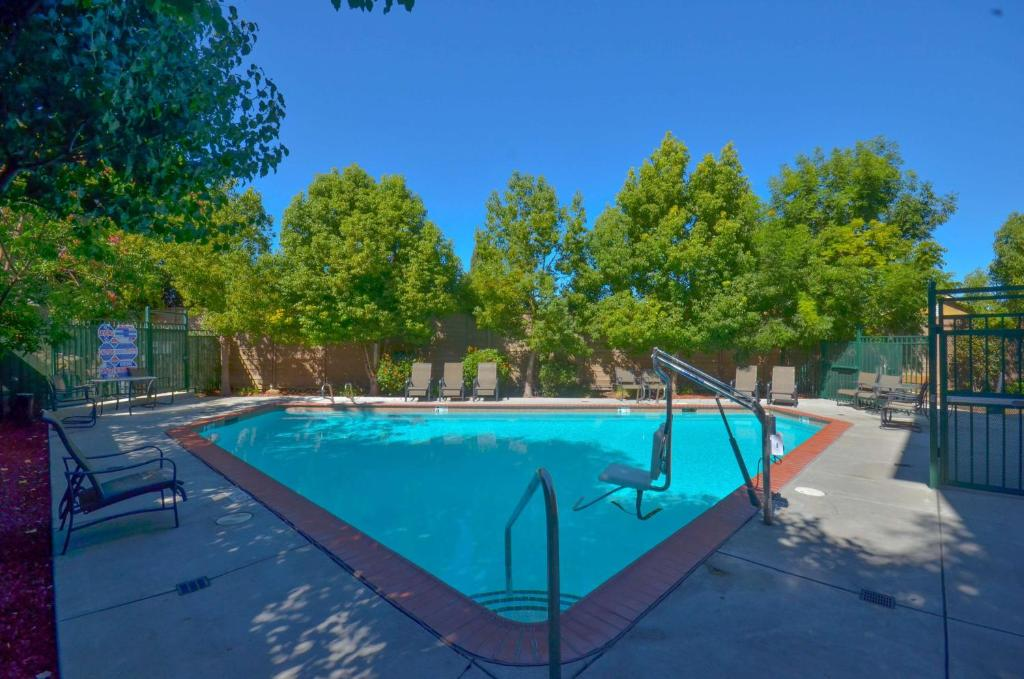 Hotel Lanai Garden Inn, San Jose, CA - Booking.com