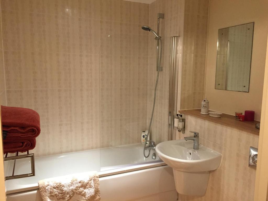 Luxury Bathrooms Norwich 69g luxury apartments, norwich, uk - booking