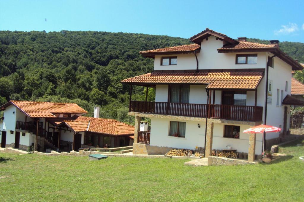 Къща за гости Василена - Трявна