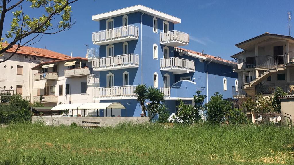 Vacation Home La Casa Al Mare Di Ale E Dade, Alba Adriatica, Italy    Booking.com