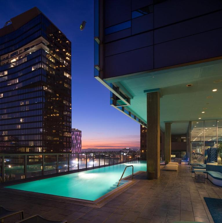Apartment Downtown Highrise Luxury Living, Los Angeles, CA