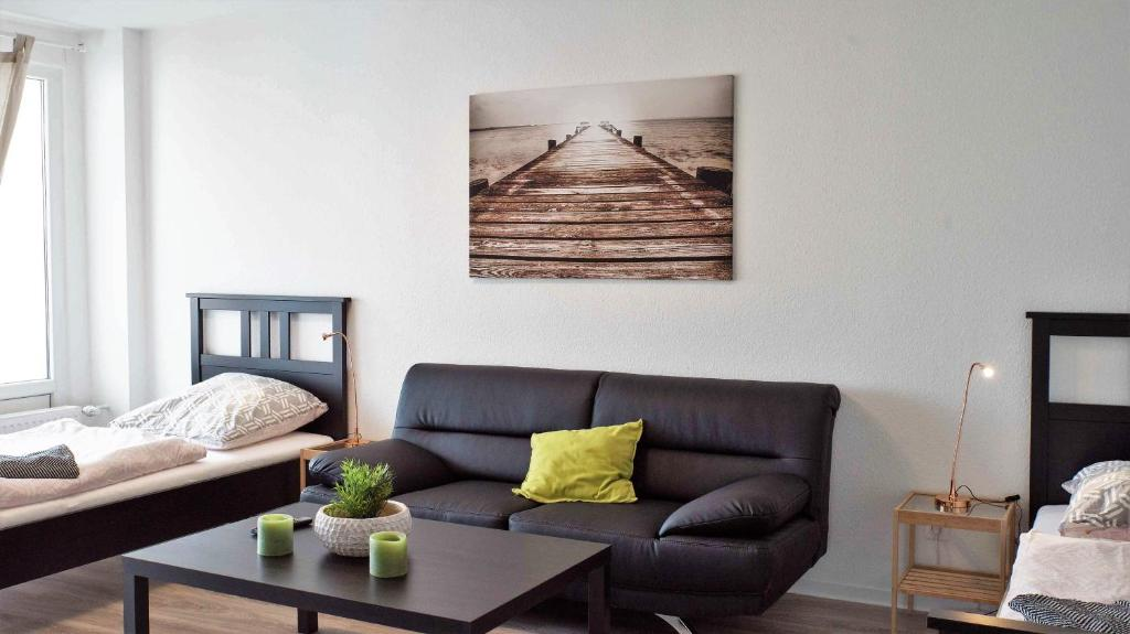 A seating area at Apartments Potsdamer Strasse Dusseldorf
