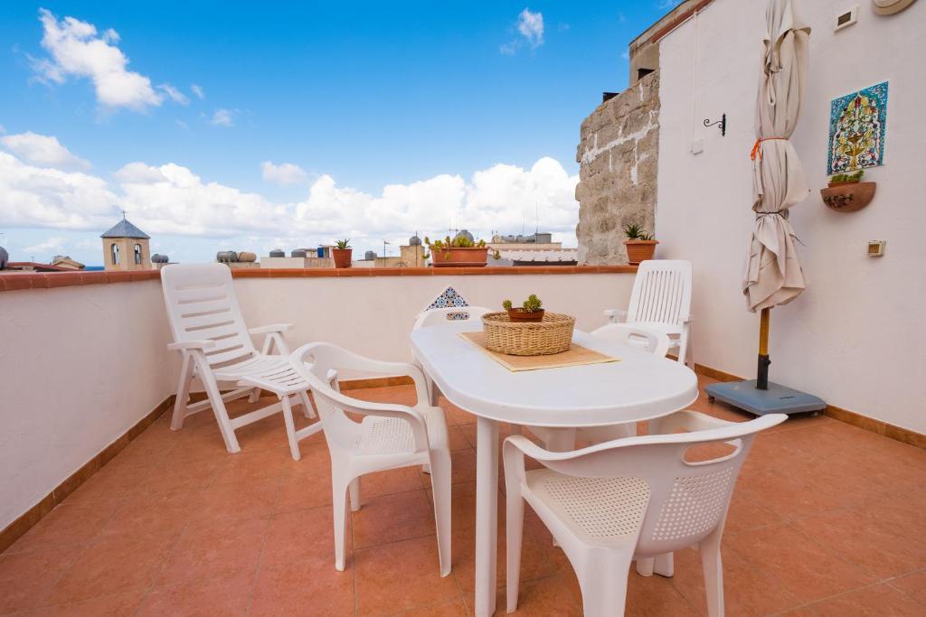 Apartment Giulia e Pietro, Marettimo, Italy - Booking.com