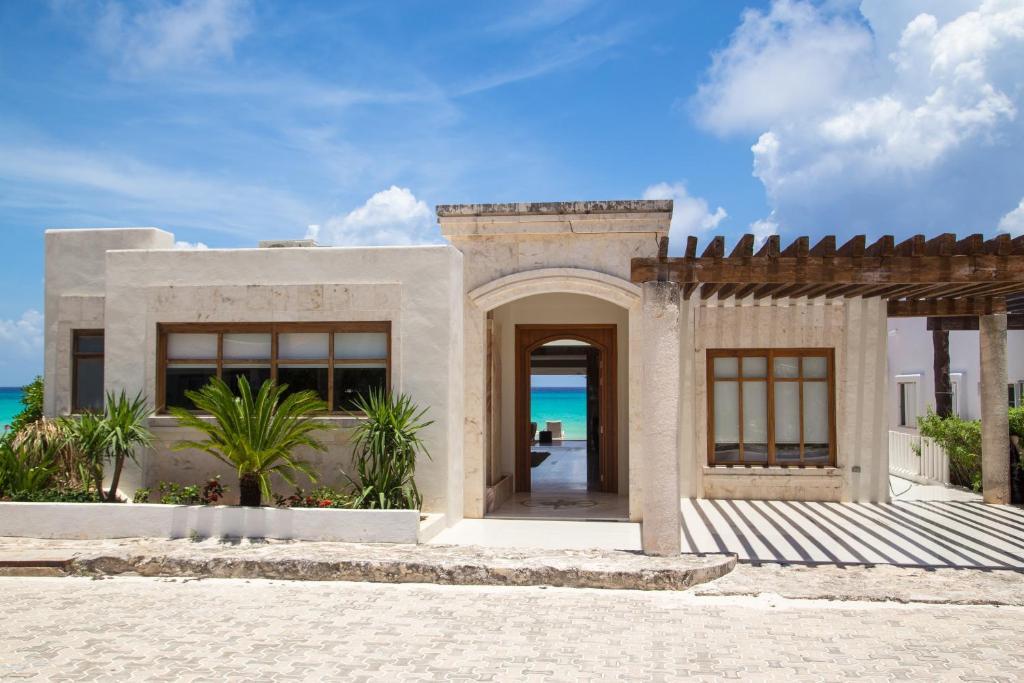 Beach front house casa marmol playa del carmen precios - Casa de playa ...